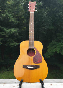 YAMAHA FG-Junior JR-1 Mini Acoustic Guitar
