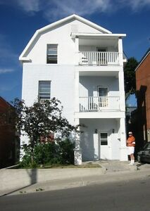 Centretown, Dec 1: third floor, 3-br apt on a quiet triplex