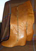 BOTTES EN CUIR NEUVES * BRAND NEW LEATHER BOOTS