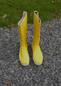 size 46  Men's vintage Nokia rubber boots