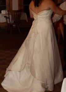 Robe de mariée (prix négociable)