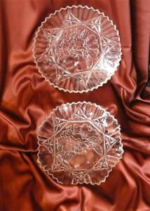 Set of two dishes