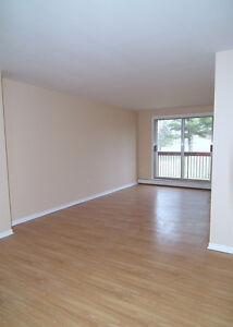 >>> 2BDRM APT IN WINDSOR - HEAT INCLUDED + GIFT CARD! <<<