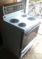 Oven self cleaning in amazing condition