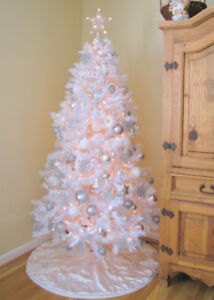 In need of a free  Christmas tree & decor items for my family