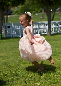 Like New two FLOWER GIRL DRESSES Size 6X Light Peach / Pink Cambridge Kitchener Area image 3