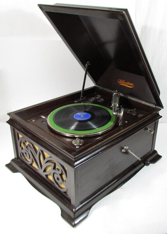 ANTIQUE SILVERTONE PHONOGRAPH PLAYER w/ Needles TESTED, WORKS! PICK UP ONLY!