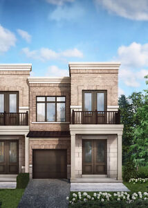 Luxury End Unit Townhome for sale in Aurora