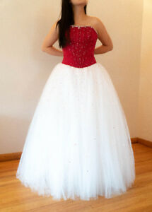 427742f7fa41 Beautiful red and white tulle ballgown Grad Dress