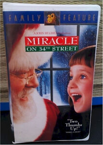 *****VHS Tape- Miracle On 34th Street*****