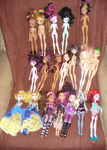 Monster High Dolls. 19 and 1 Goregeous Ghoul Styling Head,