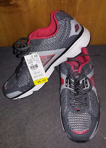 Brand New Ladies Size 7 1/2 Fila Running Shoes!