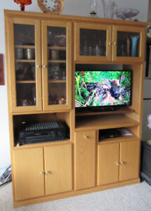 Very nice T.V. Cabinet!! Comes with T.V.!!