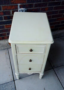 ANTIQUE CABINET SHABBY CHIC, SMALL CHEST, West Island Greater Montréal image 2
