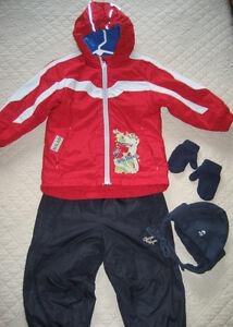 Manteau Oshkosh + jambière + accessoires pour garçon