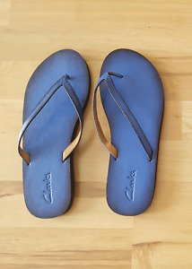 LEATHER SANDALS NEW 9