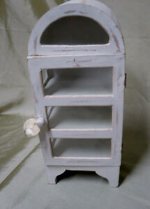 Shabby Chic mini cabinet
