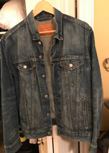 Levi's Men's Medium Denim Jacket like new