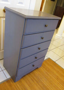 Grey Pine 5 drawer dresser. Painted with chalk paint. Exc Cond