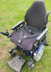 Quantum 600 Wheel Chair For Sale - Price Drop!  Save $1600.00! London Ontario image 7