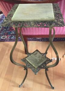 Table avec marbre