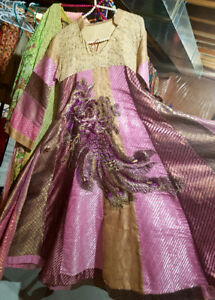 Trendy Pakistani Dresses and ABAYAS at affordable rates
