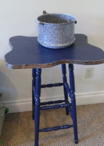 Stool / table & enameled flower planter