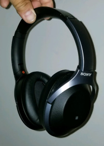 Sony WH-1000xm2 headphones – LNIB – best noise-cancelling