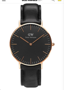 DANIEL WELLINGTON Analog Classic Black and Gold Leather watch