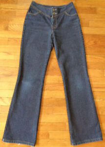 LONG LEG VINTAGE DENIM - Size 8 / M