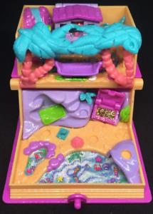 Vintage Polly Pocket Glitter Island Storybook 1995 + Dolls