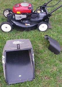 Craftsman Self propelled 21' Mulching Mower with Electric Start Peterborough Peterborough Area image 6
