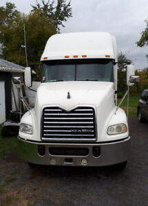 2009 Mack CXU613 - NEW PRICE