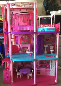 Barbie Dreamhouse Dollhouse