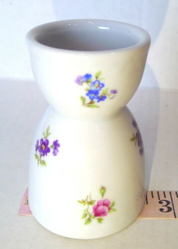 collection PARIS porcelaine entieremente  egg cup vintage spring flower pattern