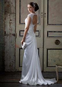Elegant White Wedding Dress-With accessories!!