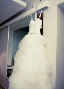 Wedding Dress - Justin Alexander Size 8 Ivory Bridal Gown