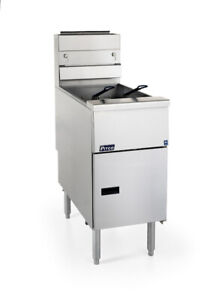 Pitco® SG14-S Natural Gas 40-50 lb. Stainless Steel Floor Fryer