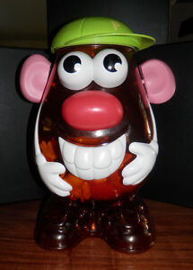 MR. POTATO HEAD WITH FAMILY & EXTRA PIECES West Island Greater Montréal image 1