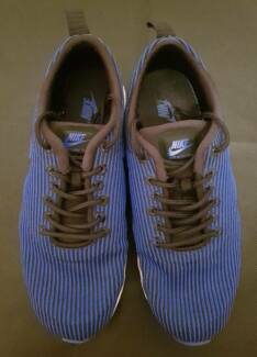 Nike women's sneakers – worn 3 times – brand new condition