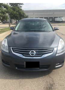 2010 Nissan Altima SR CVT Sedan