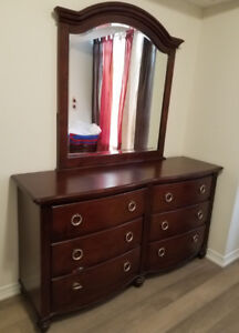 Dresser with 6 drawers and big mirrow
