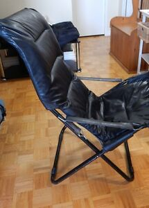 Black Faux Leather Chair – Foldable Kitchener / Waterloo Kitchener Area image 2