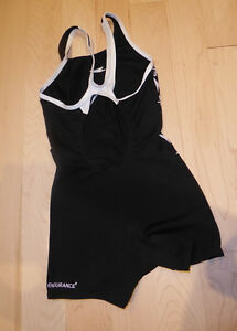 Speedo bathing suit, youth size 10 years, excellent condition Kitchener / Waterloo Kitchener Area image 2