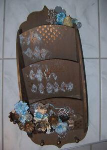 Porte lettre en bois décorée par une artisane  UNIQUE   NEUF Saint-Hyacinthe Québec image 2