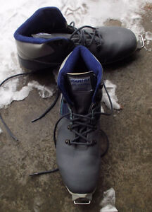 Xcountry ski boots Karhu size 11.5 in new condition $30.00