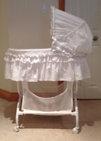 Kolcraft Baby Bassinet in Excellent Condition!