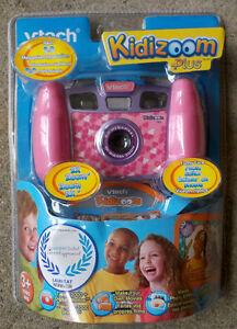 Tech Kidizoom PLUS Camera & VIDEO Pink 2.0 MPXL 2X ZOOM!