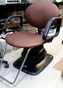 BELVEDERE STYLING/BARBER CHAIR WITH AN ELECTRIC HYDRAULIC BASE