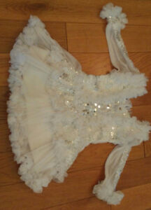 Beautiful Sequined White Lace Dress (Size 24 mo/2T) *Never Worn!
